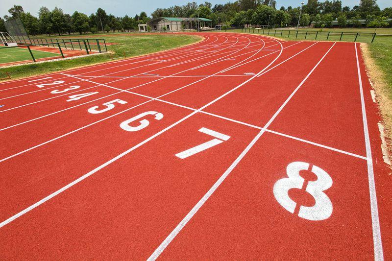 reglas para correr en una pista de atletismo