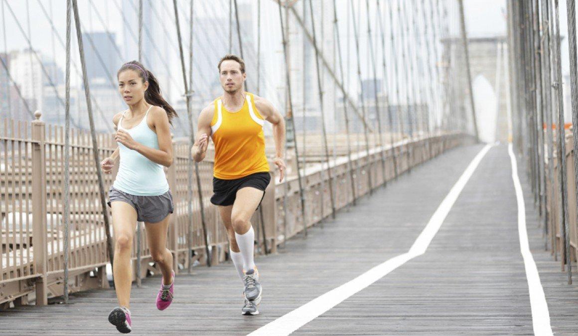 Conoce las diferencias entre hombres y mujeres al correr