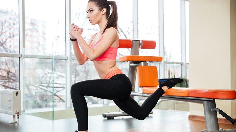 Sentadillas búlgaras: ejercicio de fuerza indispensable para ...