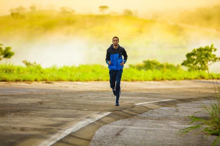 que distancia es la adecuada para correr
