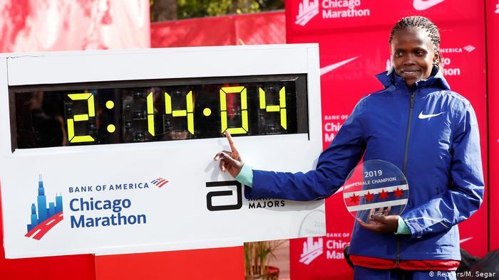 Brigid Kosgei récord del mundo de maratón femenino